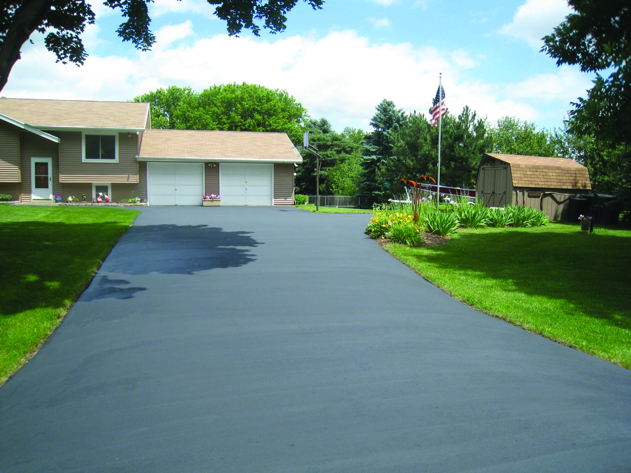 Wolfs asphalt paving blog asphalt driveway why its better to remove a concrete driveway before laying asphalt solutioingenieria Choice Image