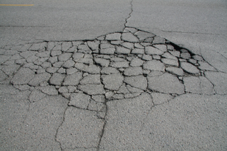 cracks_in_pavement