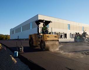 commercial_parking_lot_paving-3.jpg