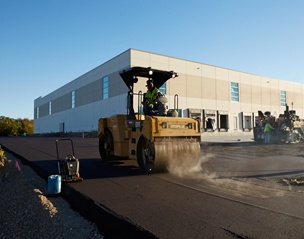 commercial_parking_lot_paving-3.jpg