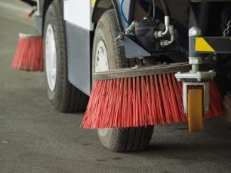 clean-asphalt-before-winter